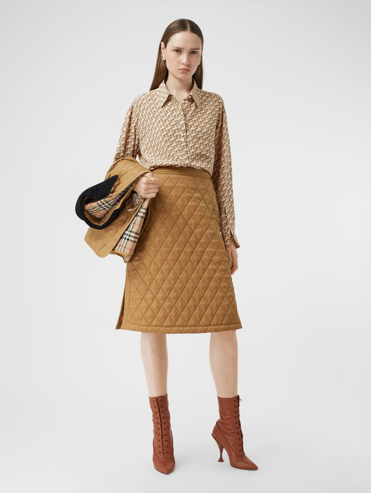 Diamond Quilted Twill A-line Skirt in Camel