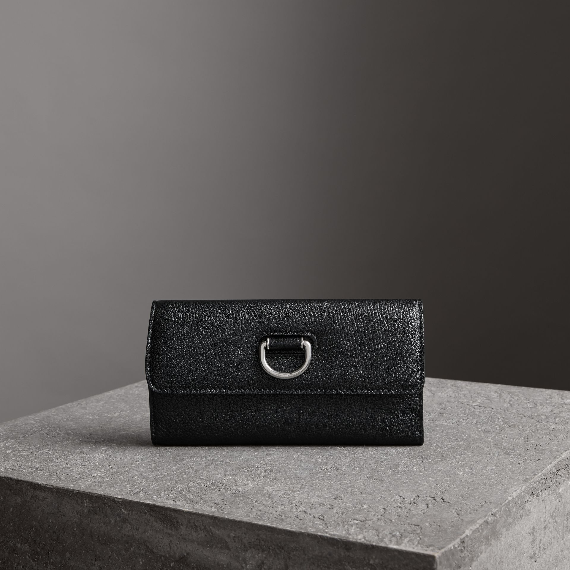 D-ring Grainy Leather Continental Wallet in Black/green - Women | Burberry - gallery image 4