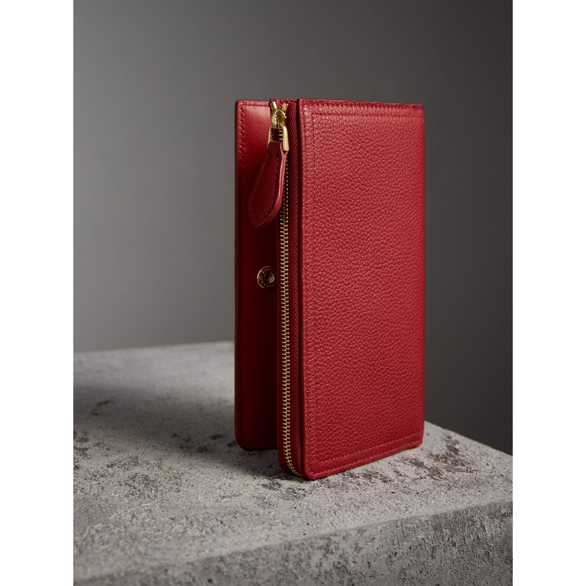 Grainy Leather Ziparound Wallet in Parade Red - Women | Burberry Australia - gallery image 2