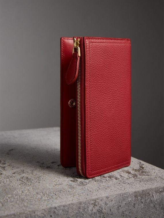 Grainy Leather Ziparound Wallet in Parade Red - Women | Burberry Australia - cell image 2