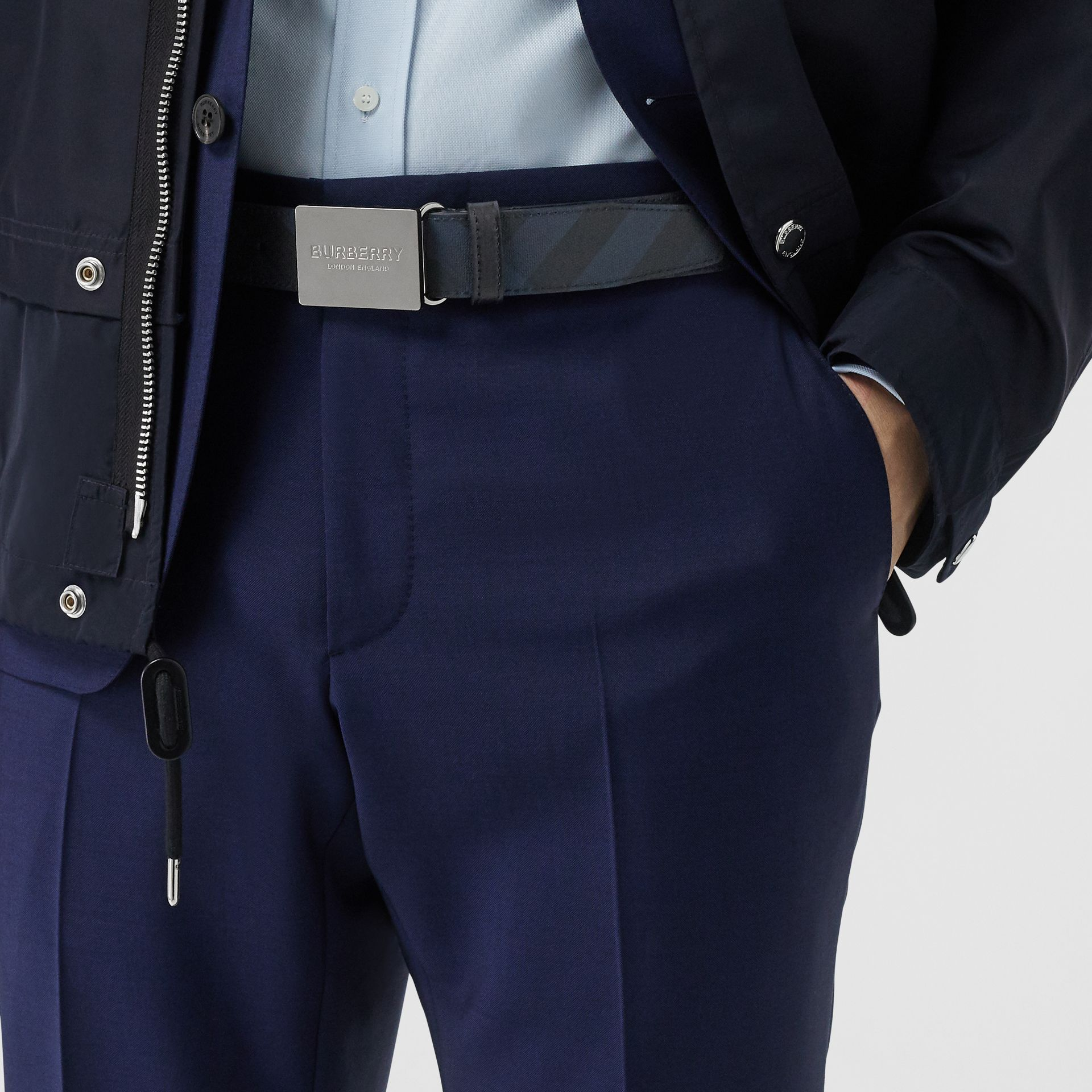 Plaque Buckle London Check and Leather Belt in Navy/black - Men | Burberry Canada - gallery image 2