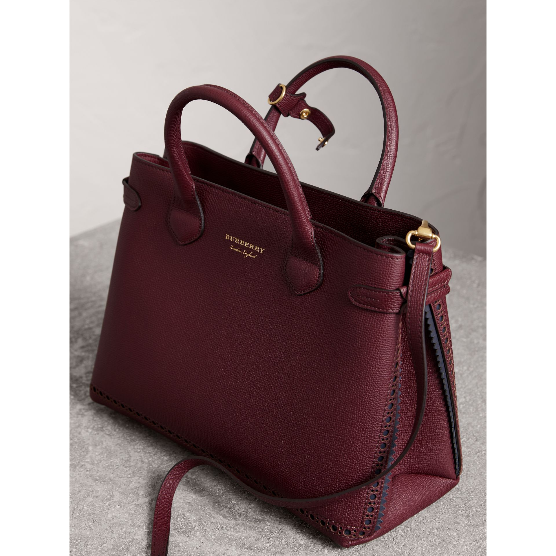The Medium Banner in Leather with Fringed Pocket in Mahogany Red - Women | Burberry United States - gallery image 4