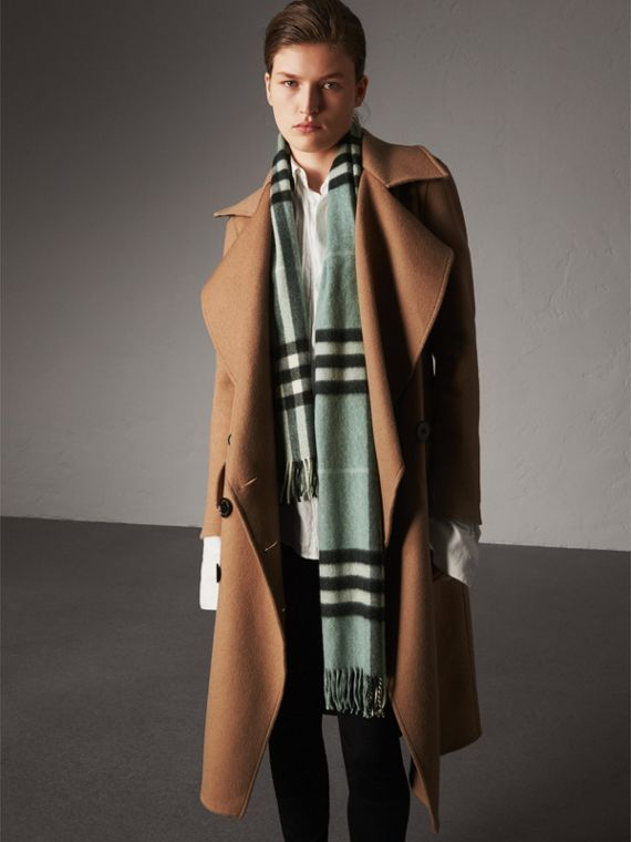 The Classic Cashmere Scarf in Check in Dusty Mint | Burberry - cell image 2