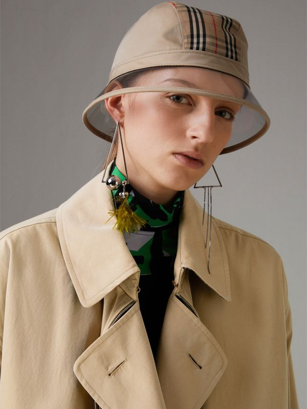 1983 Check Bucket Hat in Dark Sand | Burberry - cell image 2
