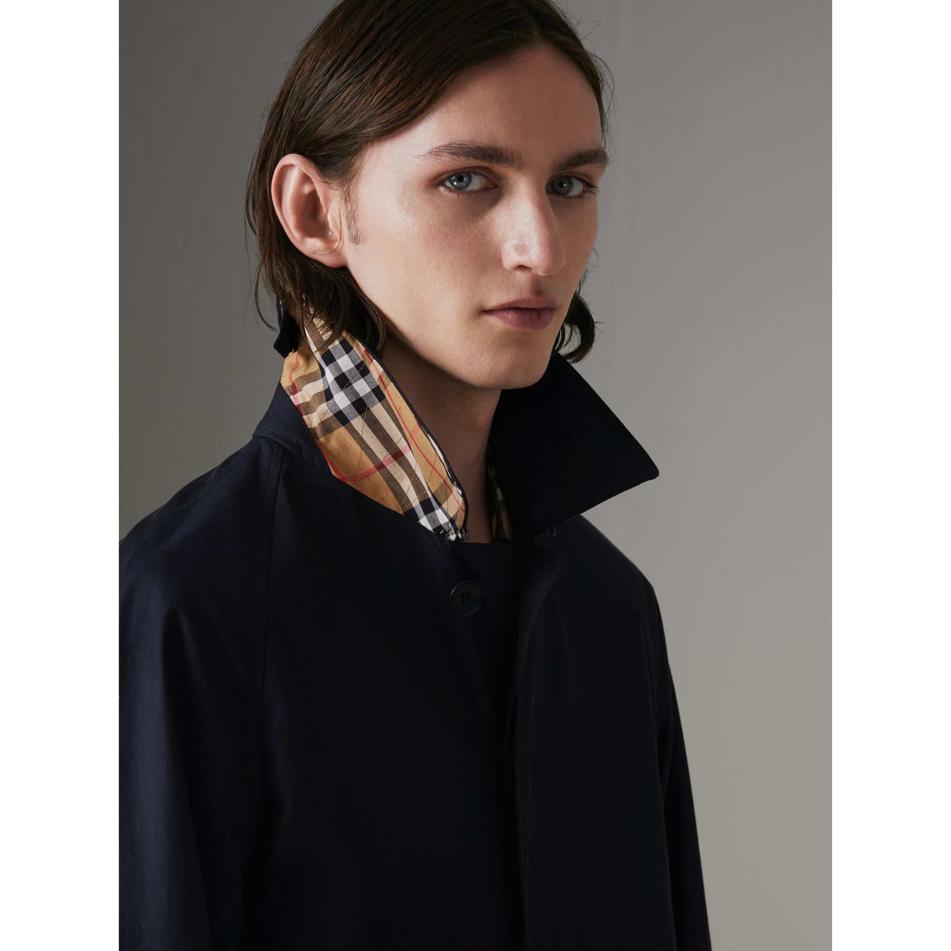 Car Coat The Camden (Bleu Carbone) - Homme | Burberry - photo de la galerie 1