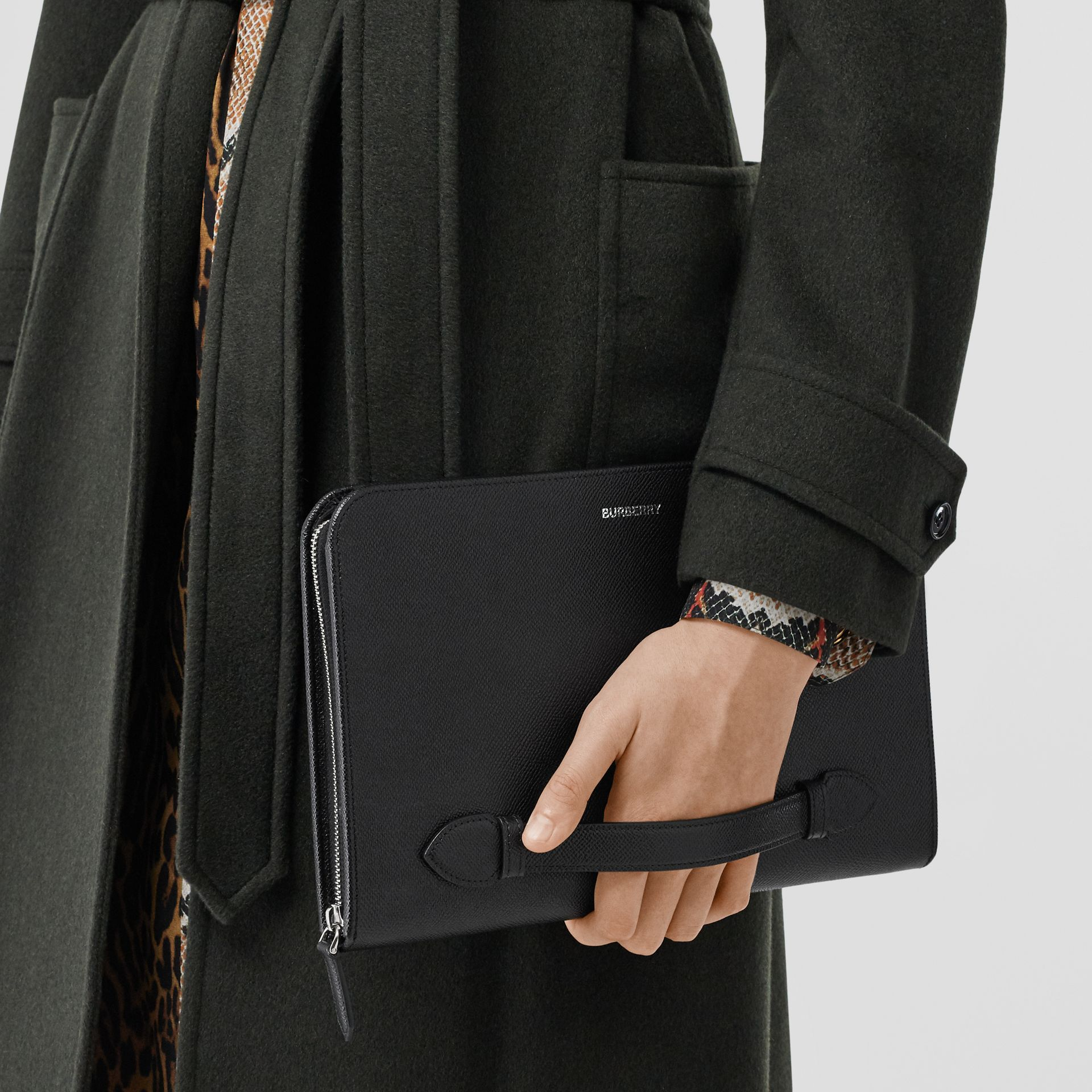 Grainy Leather Ziparound Pouch in Black | Burberry - gallery image 10