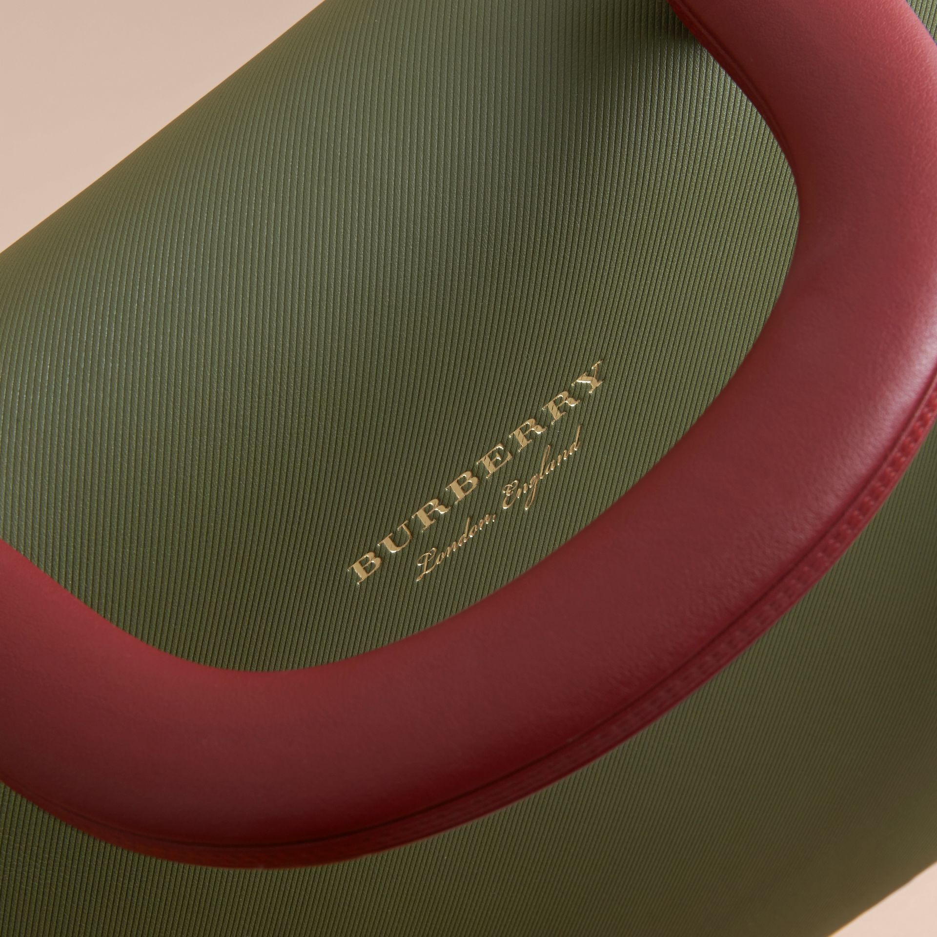 The Medium DK88 Top Handle Bag Pale Clementine/moss Green - gallery image 2