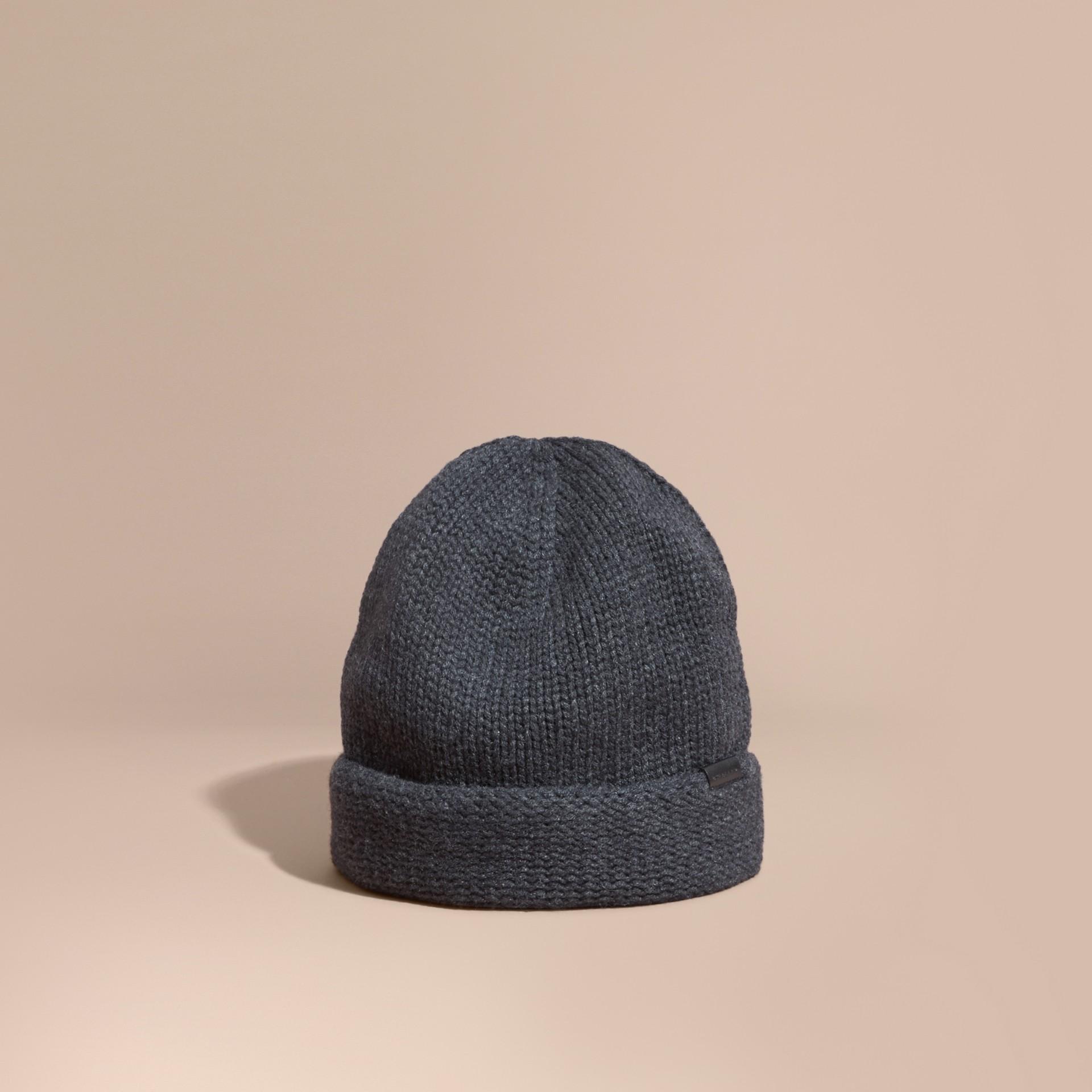 Nero fumo Cappellino in cashmere lavorato a maglia - immagine della galleria 1