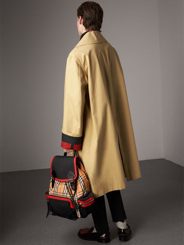 Grand sac The Rucksack en cuir et toile Vintage check (Jaune Antique) | Burberry Canada - cell image 2