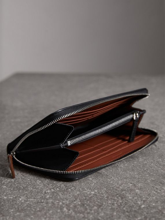Splash Trench Leather Ziparound Wallet in Black/tan - Women | Burberry - cell image 3