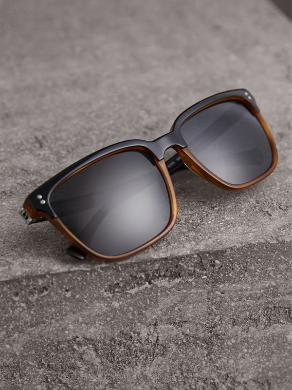 Square Frame Sunglasses in Light Brown - Men | Burberry Singapore - cell image 2