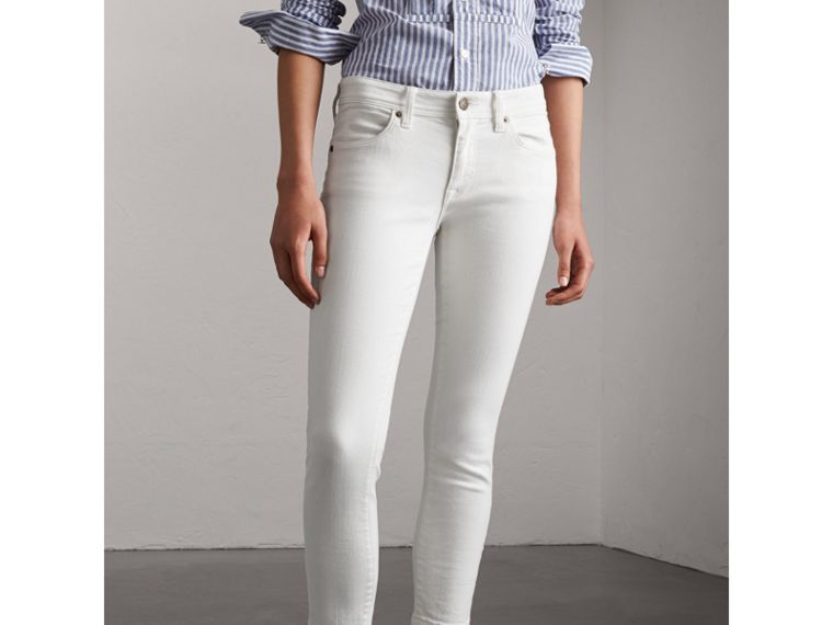 Skinny Fit Low-Rise Cropped Jeans in White - Women | Burberry - cell image 4
