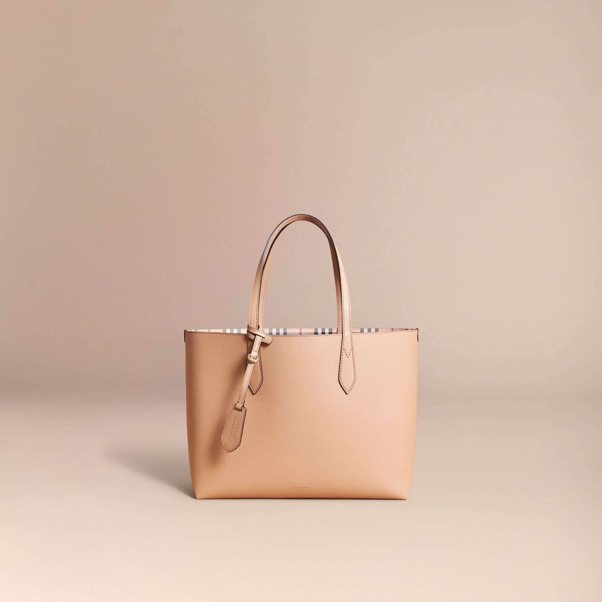 The Medium Reversible Tote in Haymarket Check and Leather in Mid Camel - Women | Burberry Singapore - gallery image 7