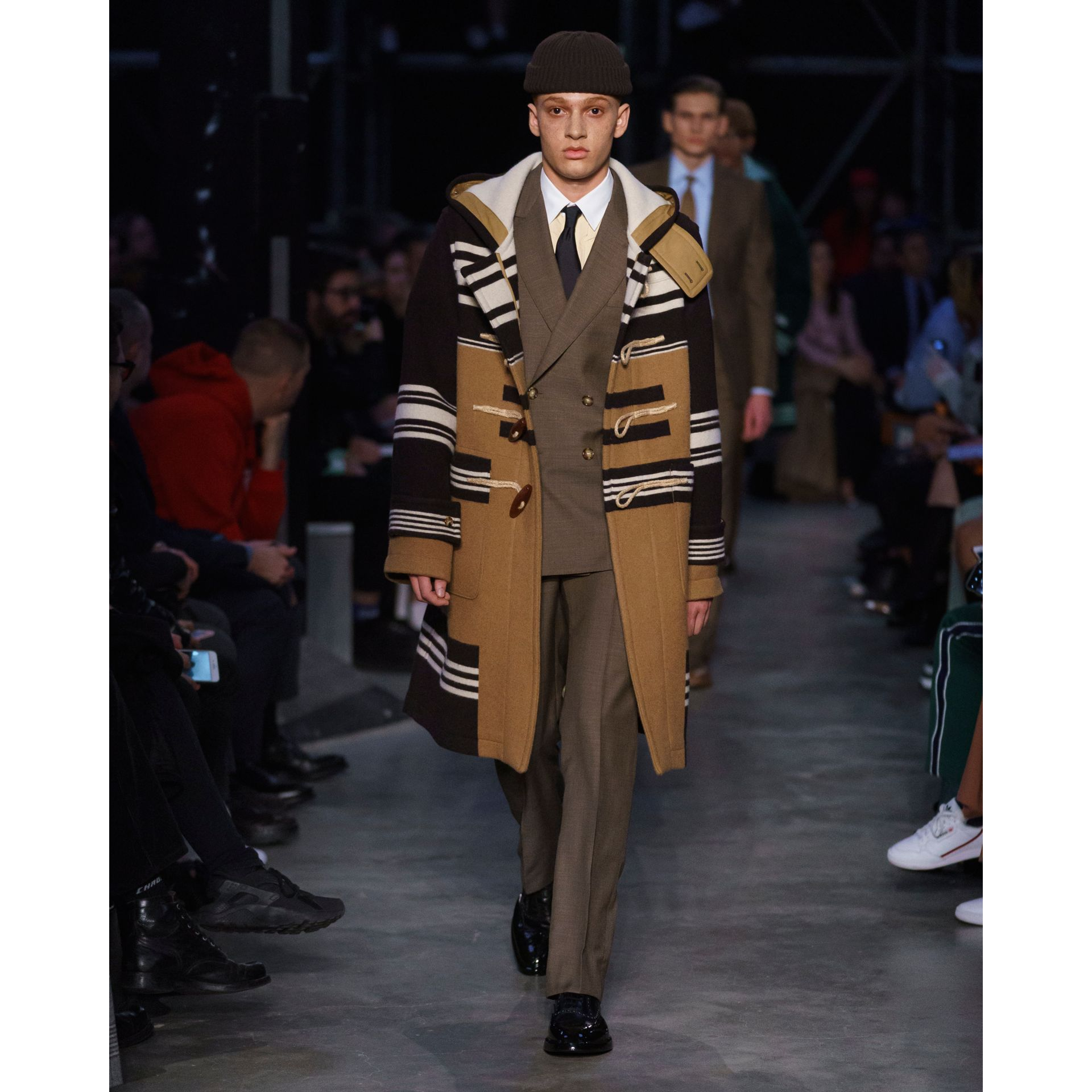 Stripe Detail Wool Duffle Coat in Camel - Men | Burberry Hong Kong S.A.R - gallery image 8