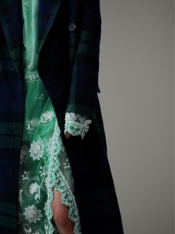 Casaco elegante em dupla camada de lã e cashmere em xadrez tartan (Azul Meia Noite/azul Marinho Intenso) - Mulheres | Burberry - cell image 1