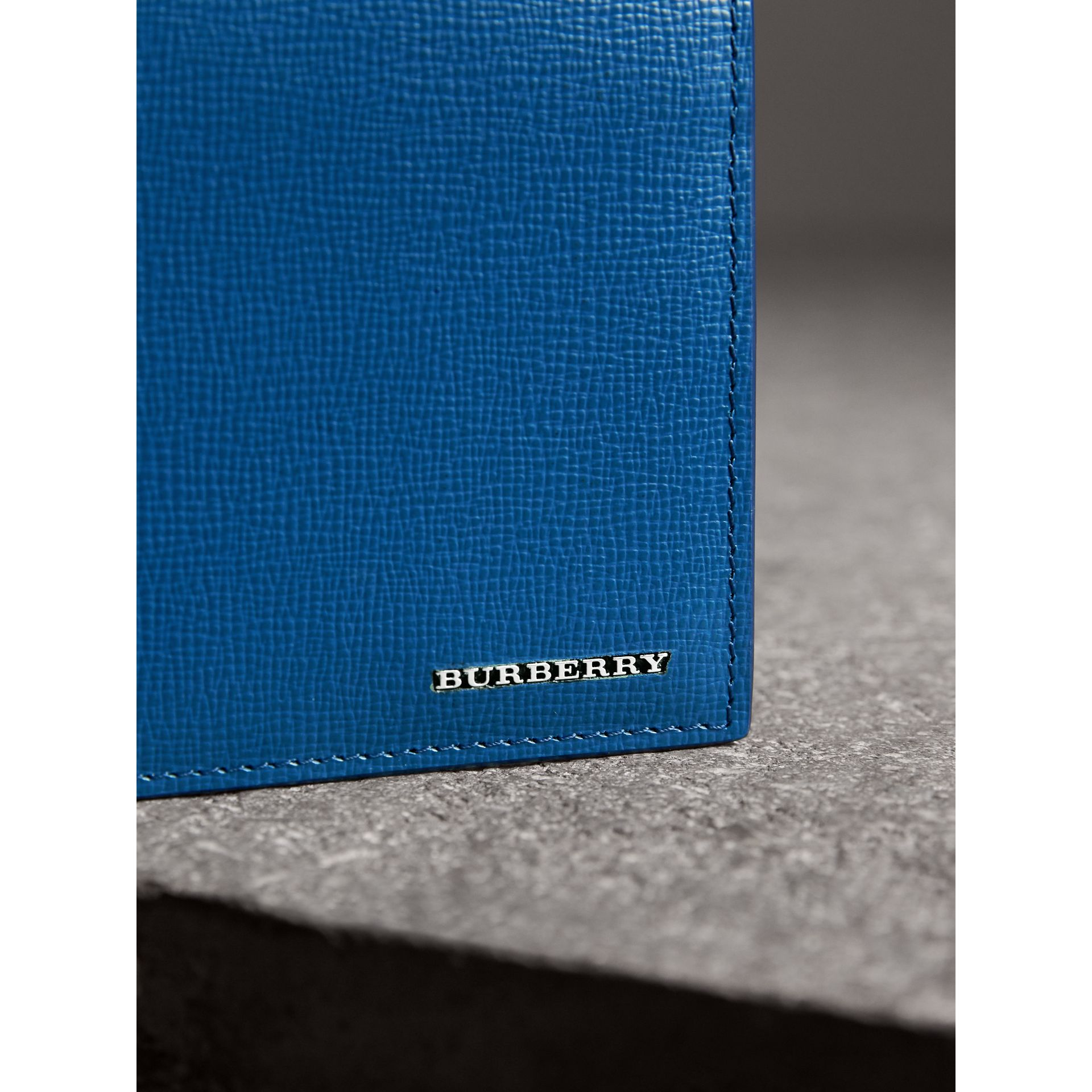 London Leather International Bifold Wallet in Deep Blue | Burberry Hong Kong - gallery image 1