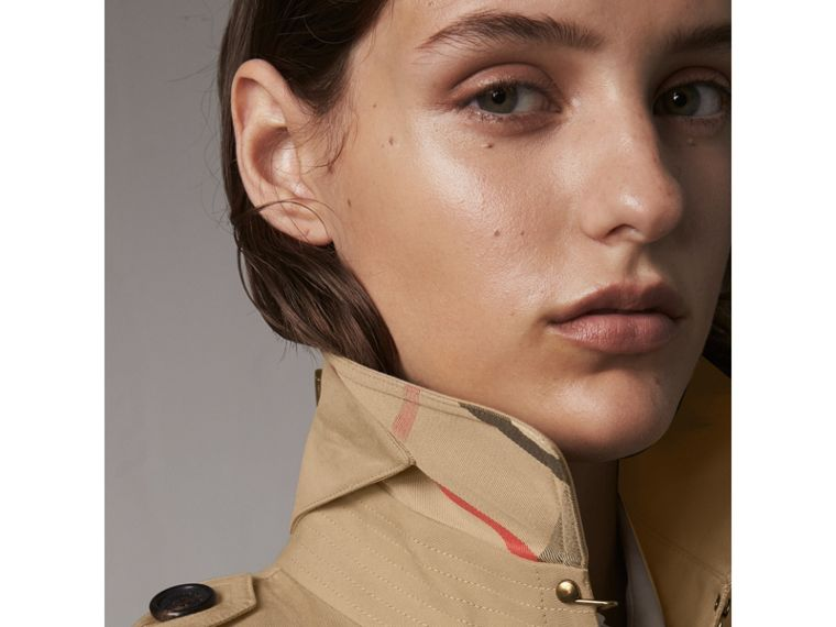 The Kensington – Extra-long Trench Coat in Honey - Women | Burberry Australia - cell image 1