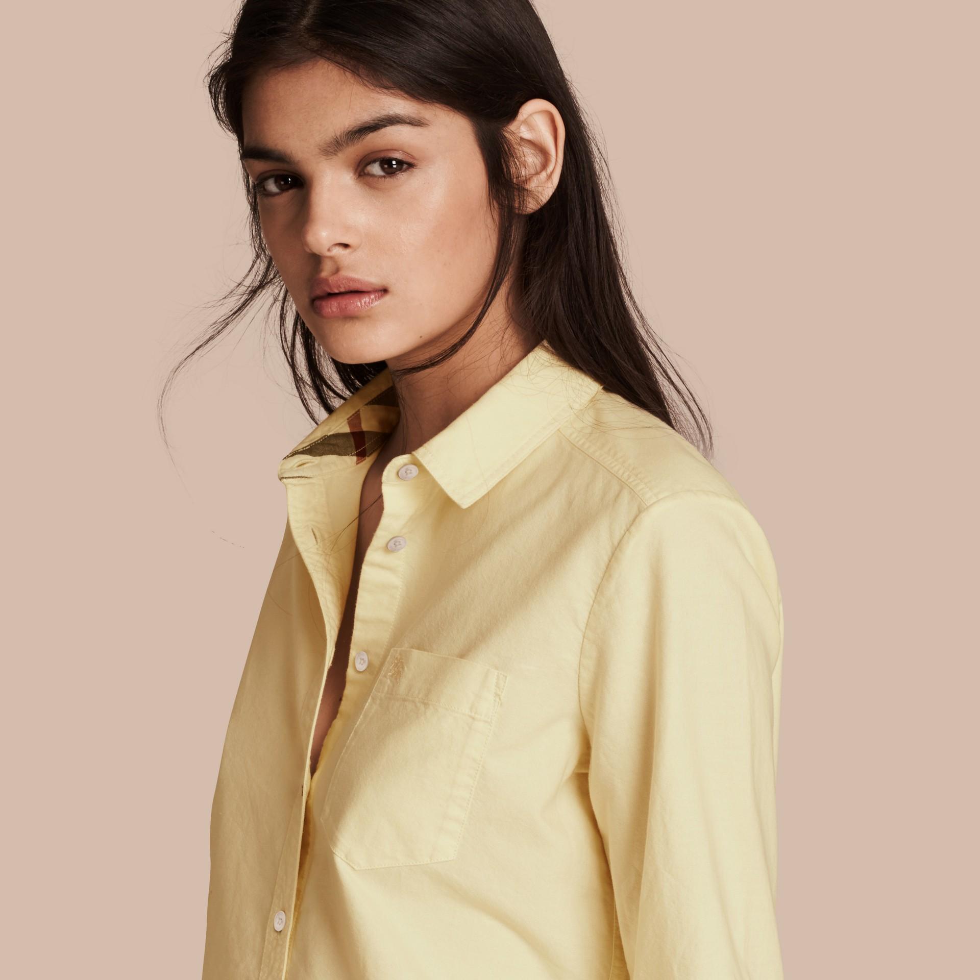 Jaune pâle Chemise en coton avec motif check Jaune Pâle - photo de la galerie 1