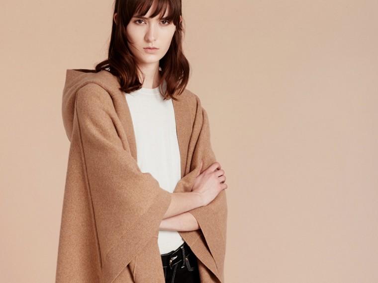 Cammello Poncho con cappuccio in misto lana e cashmere Cammello - cell image 4