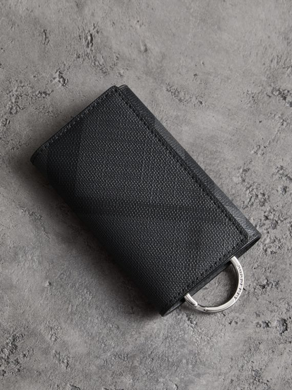 Leather Trim London Check Key Case in Charcoal/black