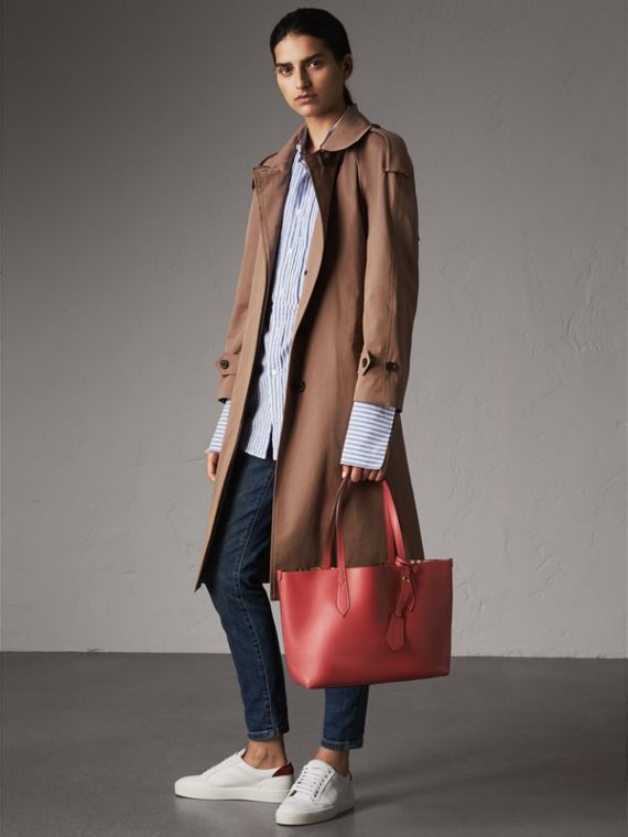 The Small Reversible Tote in Haymarket Check and Leather in Coral Red - Women | Burberry - cell image 2