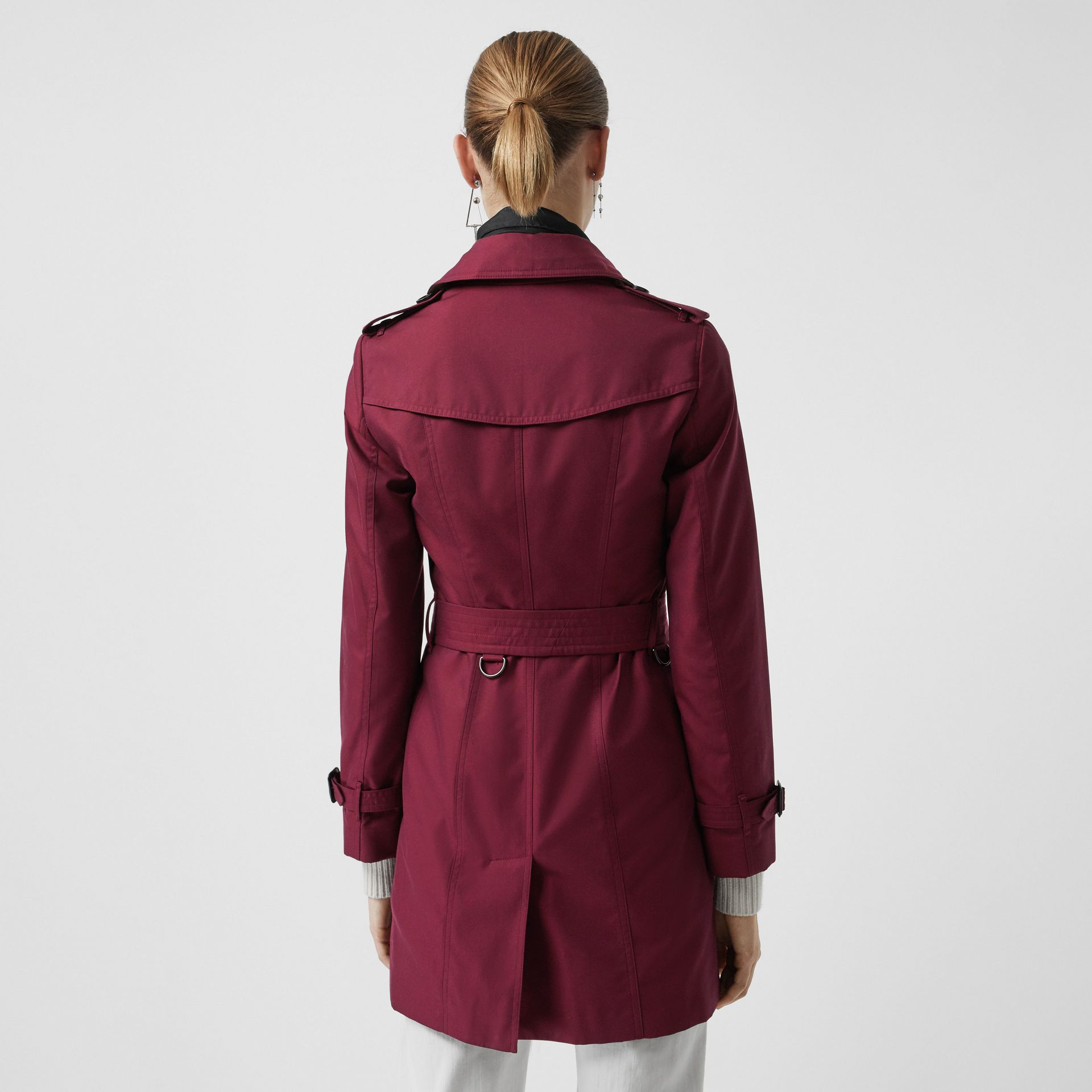 Sandringham Fit Cotton Gabardine Trench Coat in Crimson - Women | Burberry United Kingdom - gallery image 2