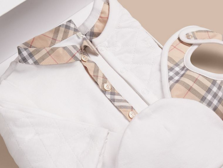 Cotton Four-piece Baby Gift Set - Boy | Burberry - cell image 1