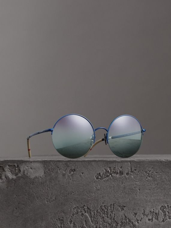 Check Detail Round Frame Sunglasses in Blue