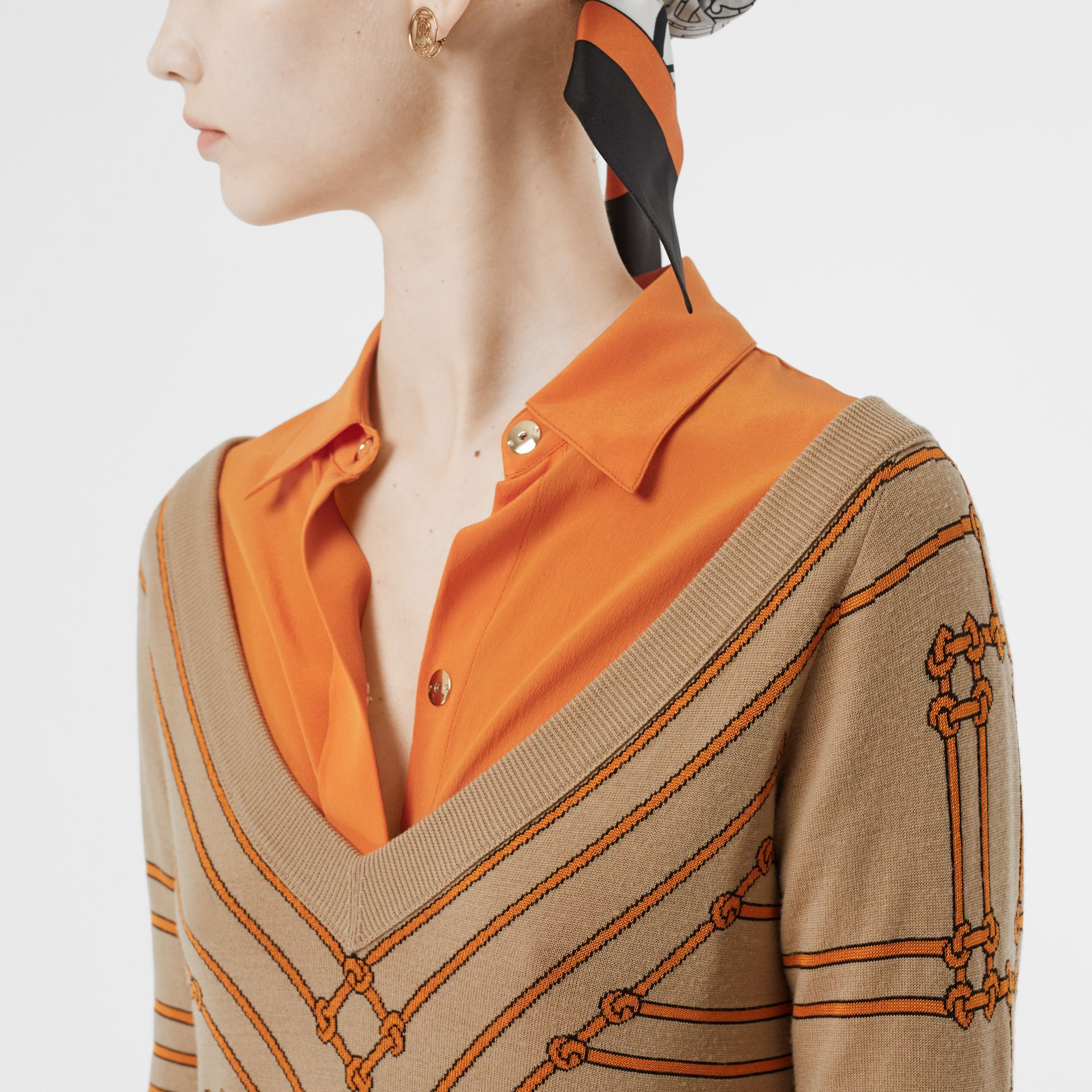 Rope Silk Wool Jacquard V-neck Sweater in Honey - Women | Burberry - gallery image 1