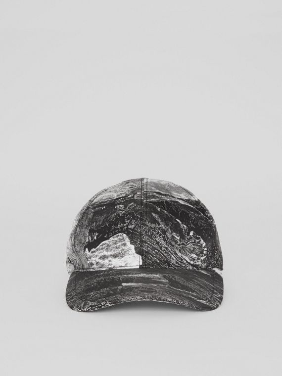 Dreamscape Print Baseball Cap in Black/white