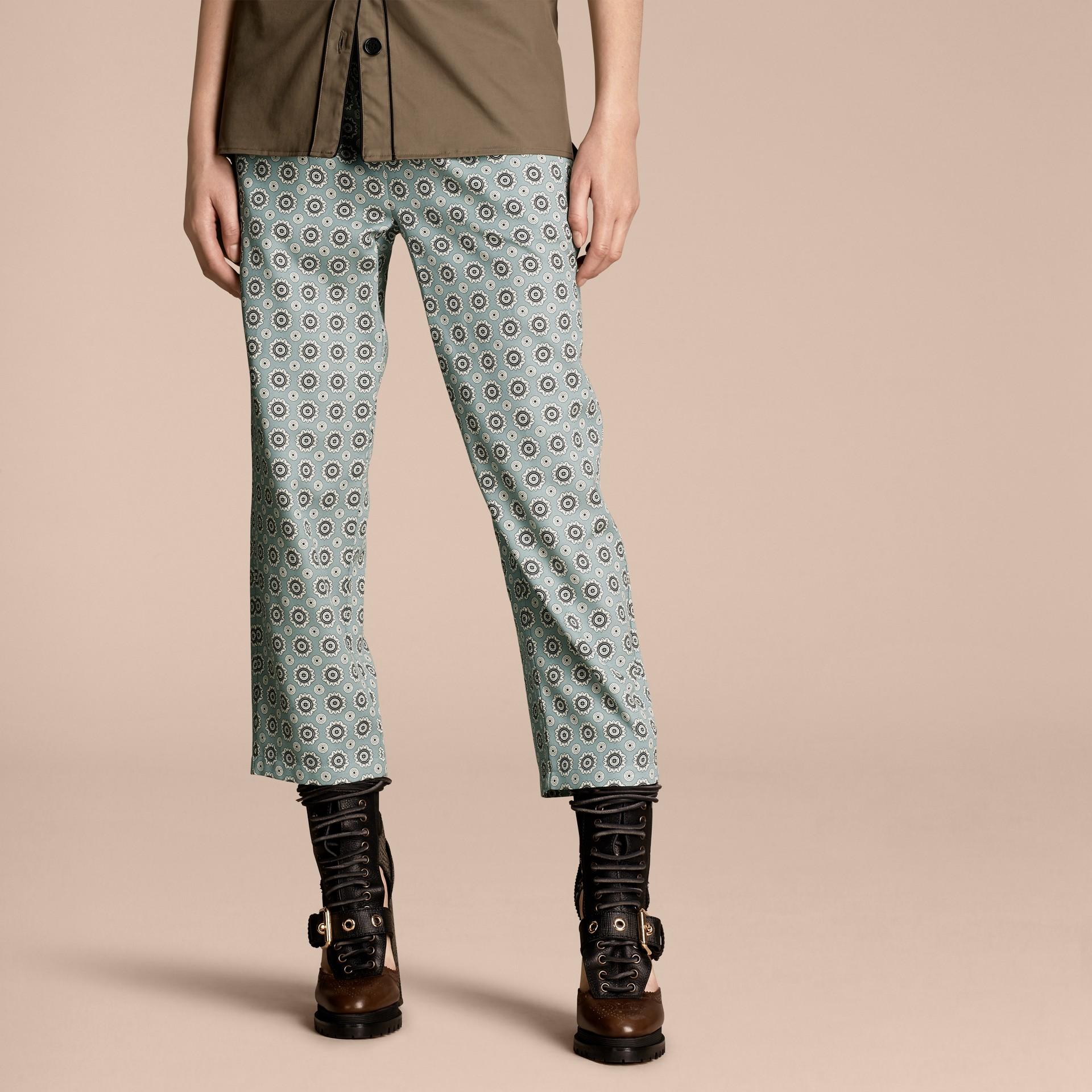 Helles steinblau Hose aus Baumwollseide im Pyjamastil mit kürzerer Beinlänge und Pyjamadruck Helles Steinblau - Galerie-Bild 1