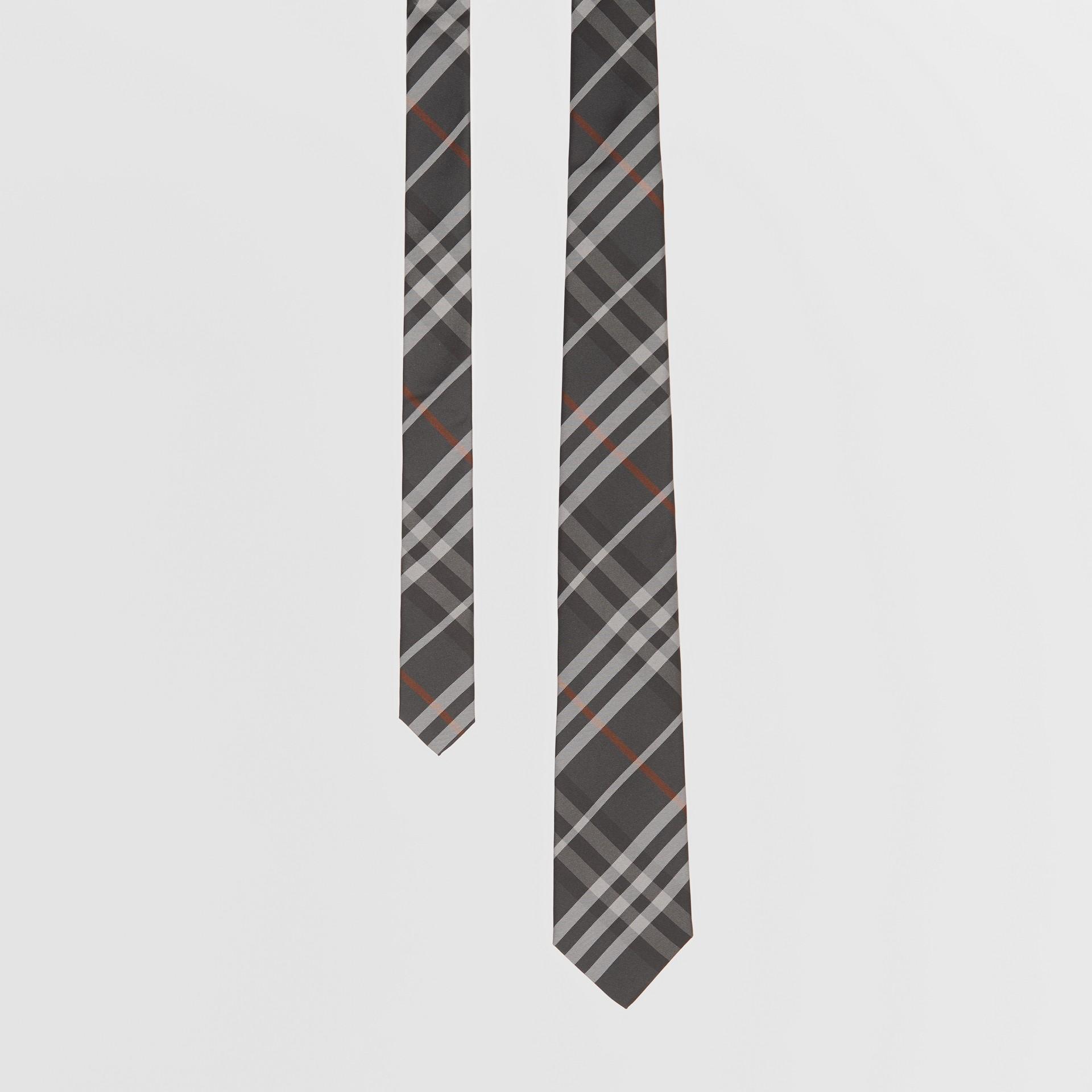 Cravate classique en soie Vintage check (Gris Acier Sombre) - Homme   Burberry Canada - photo de la galerie 0