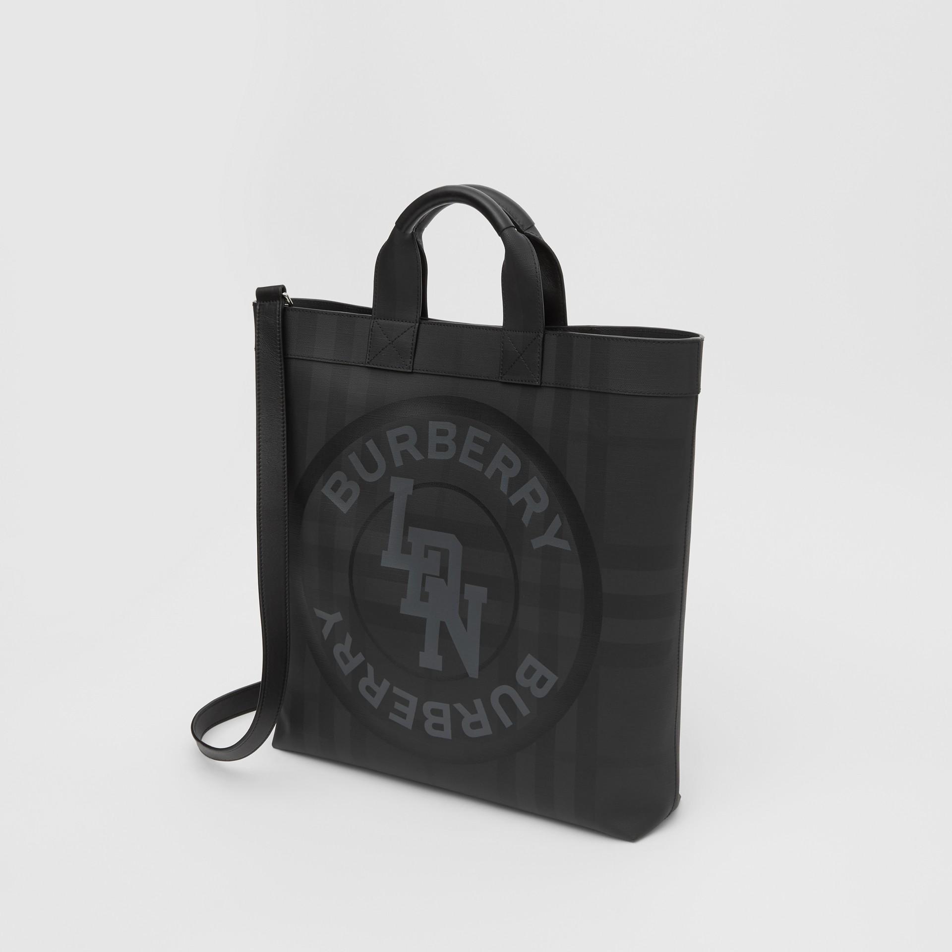 Henkeltasche aus London Check-Gewebe mit Logo-Grafik (Dunkles Anthrazitfarben) - Herren | Burberry - Galerie-Bild 4