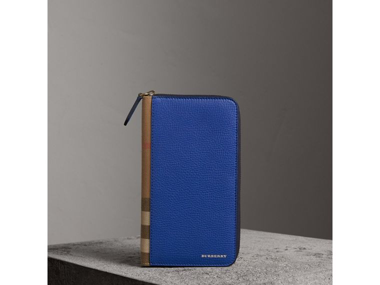 House Check and Grainy Leather Ziparound Wallet in Deep Blue | Burberry - cell image 4