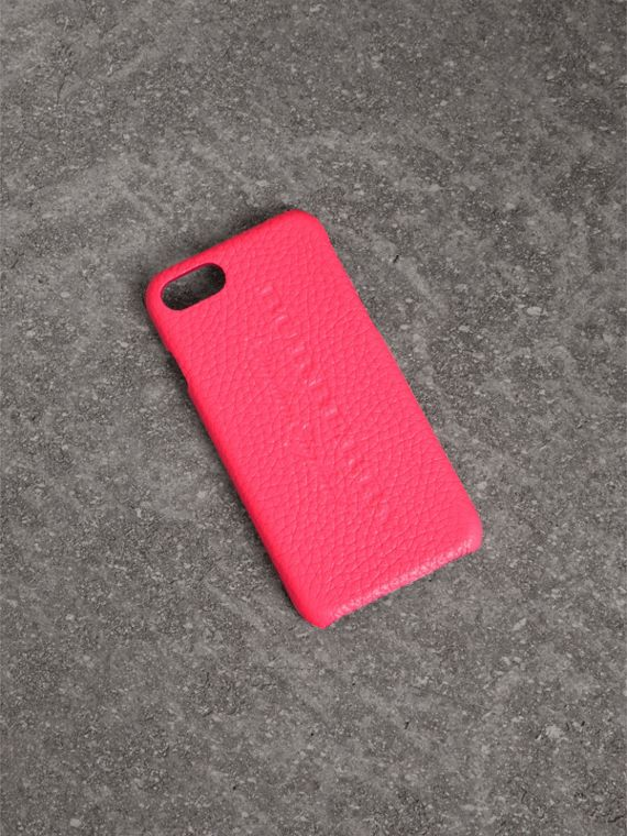 Funda para iPhone 7 en piel flúor (Rosa Intenso)