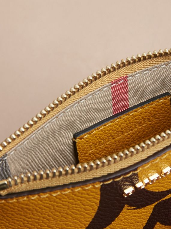 Trompe L'oeil Print Leather Pouch in Bright Straw - Women | Burberry - cell image 3