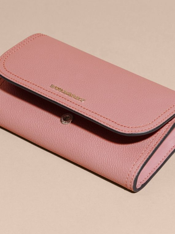 Grainy Leather Slim Continental Wallet in Dusty Pink - Women | Burberry Singapore - cell image 3