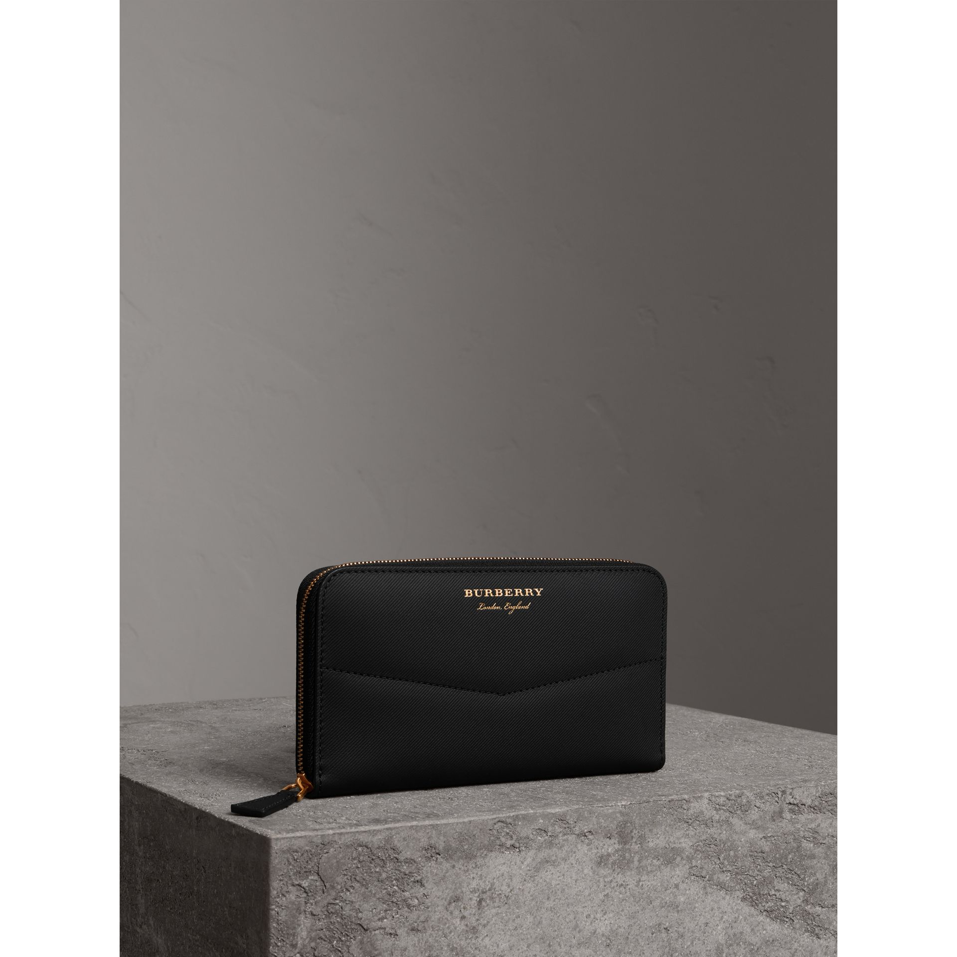 Trench Leather Ziparound Wallet in Black - Women | Burberry - gallery image 0