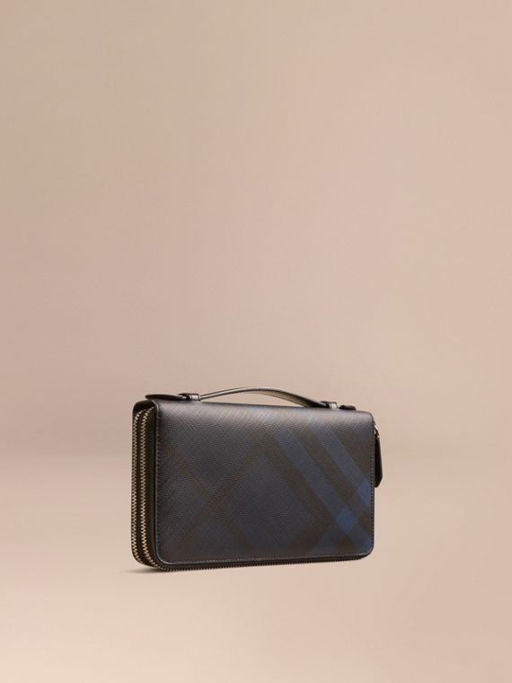 London Check Travel Wallet in Navy/black - Men | Burberry
