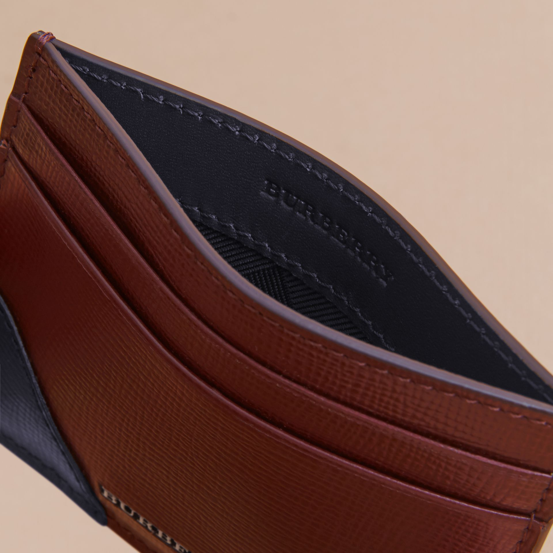 Contrast Corner London Leather Card Case in Burgundy Red - gallery image 5