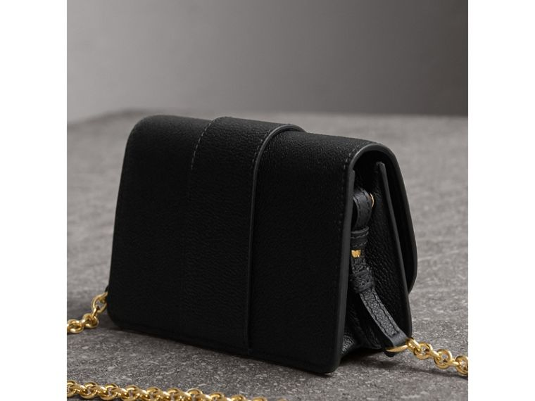 Mini sac The Buckle en cuir grainé (Noir) - Femme | Burberry - cell image 4