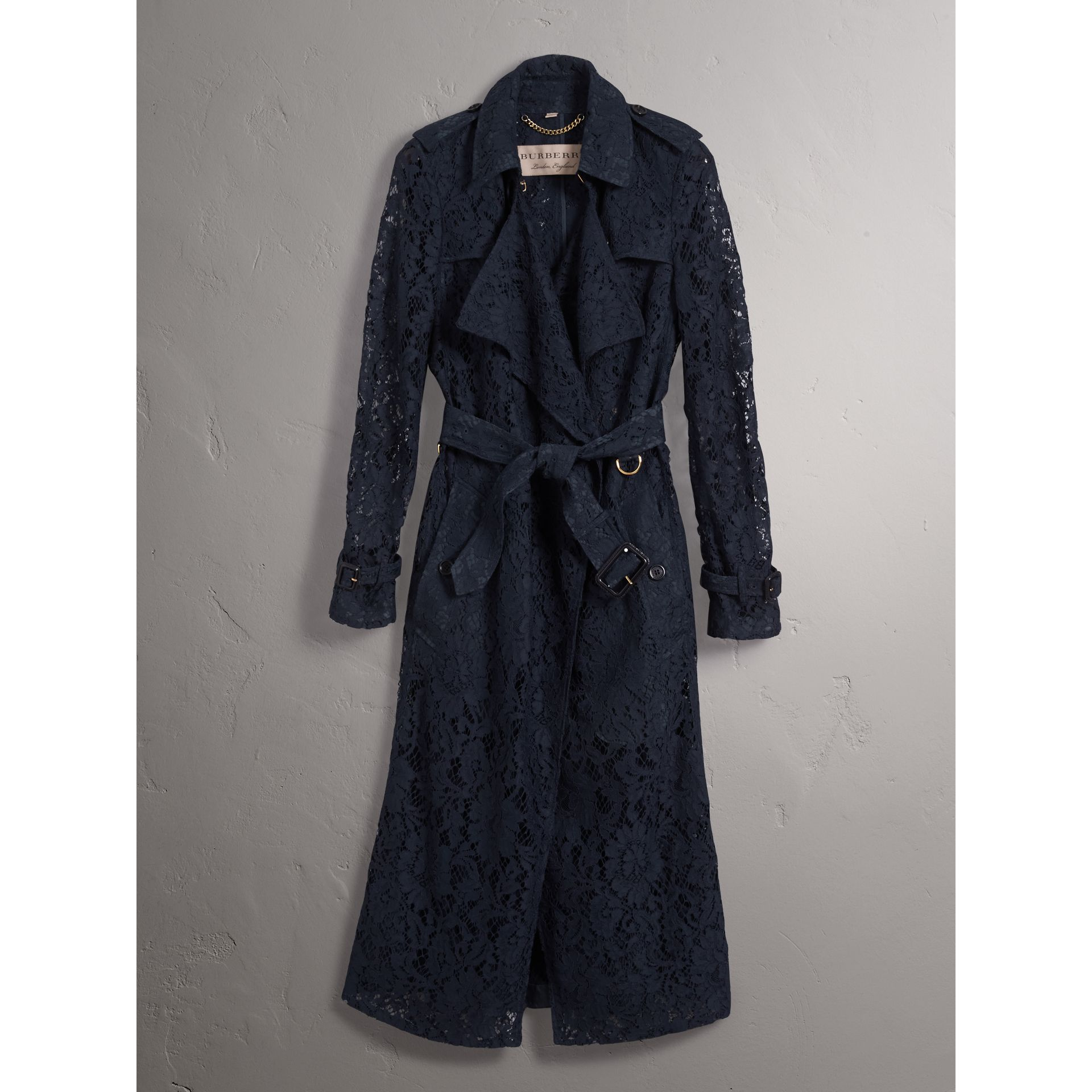 Macramé Lace Trench Coat in Navy - Women | Burberry - gallery image 3