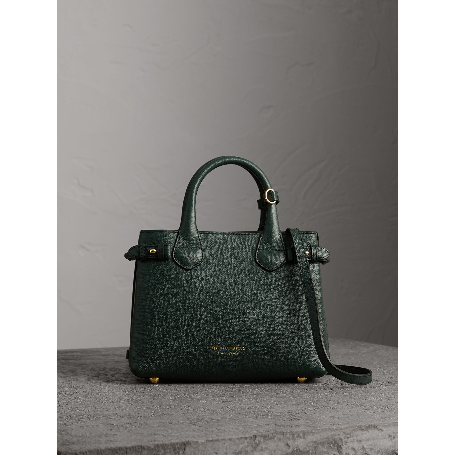The Small Banner in Leather and House Check in Dark Bottle Green - Women | Burberry Hong Kong - gallery image 6