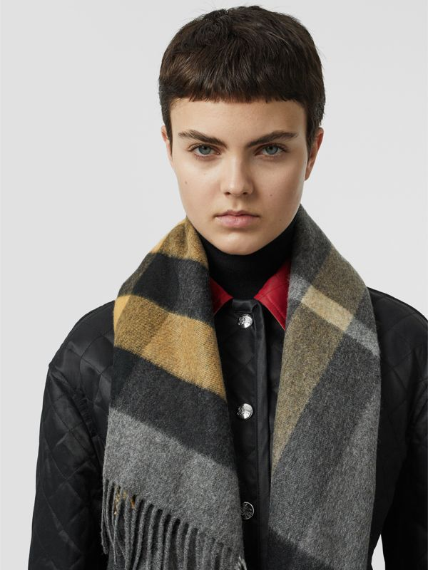 The Burberry Bandana in Check Cashmere in Mid Grey | Burberry Australia - cell image 2