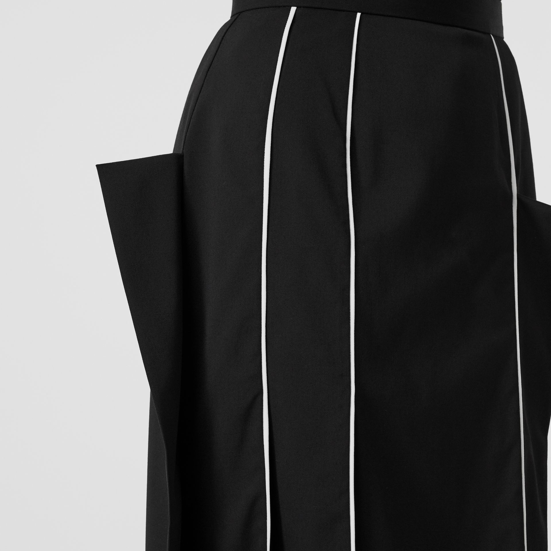 Piping Detail Stretch Wool Crepe Skirt in Black - Women | Burberry - gallery image 1