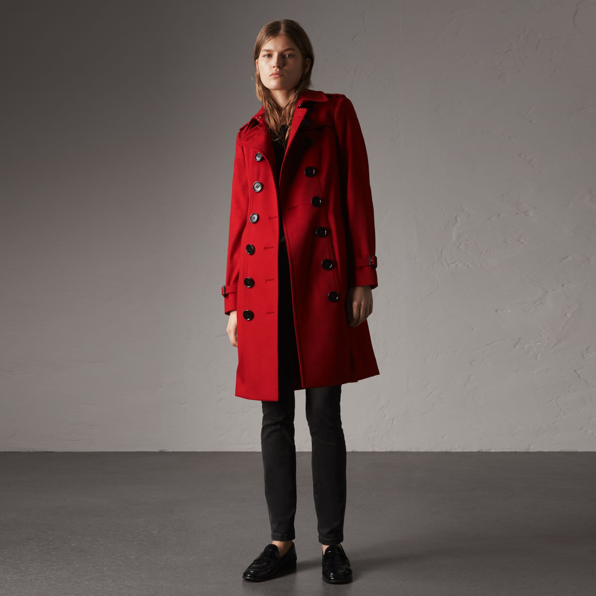 Sandringham Fit Cashmere Trench Coat in Parade Red - Women | Burberry - gallery image 0