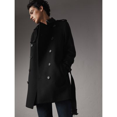 In fall, you can choose a stylish leather trench coat mens, and in winter, you can select a warm wool trench coat mens. Wether it is mens slim double breasted trench coat or casual single breasted trench coat, the styles are all fashionable. About the color, beige, navy, camel and gray are all good choices.