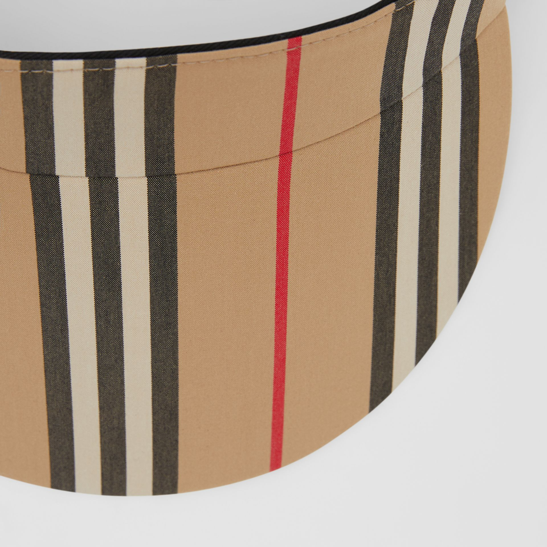 Icon Stripe Visor in Archive Beige | Burberry Hong Kong S.A.R - gallery image 1