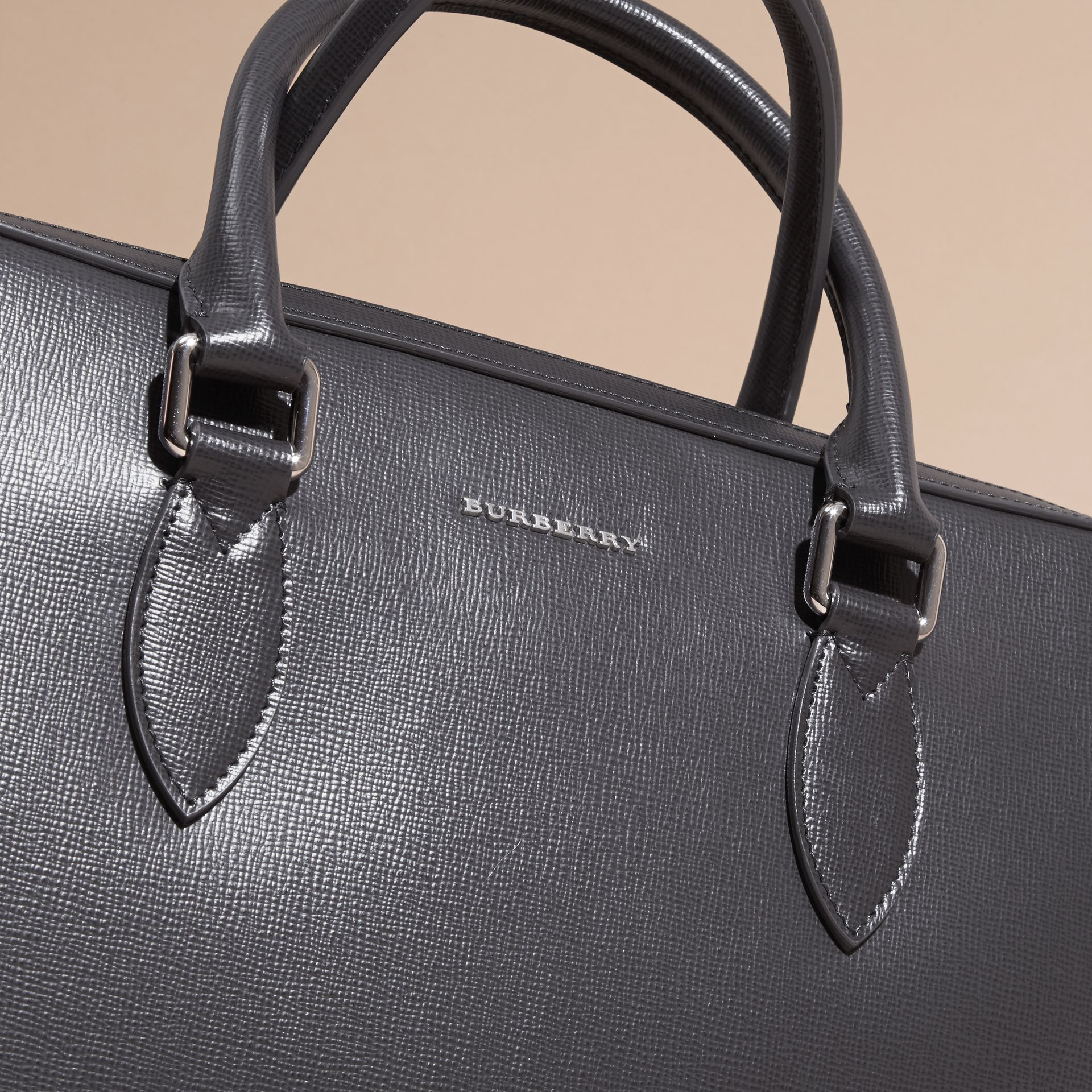 Charcoal/black The Slim Barrow in Panelled London Leather Charcoal/black - gallery image 2
