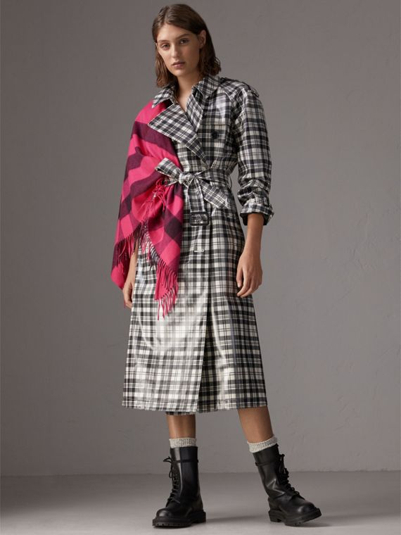 The Burberry Bandana in Check Cashmere in Bright Rose Pink | Burberry - cell image 2